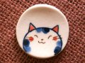 三毛猫染付箸置 青